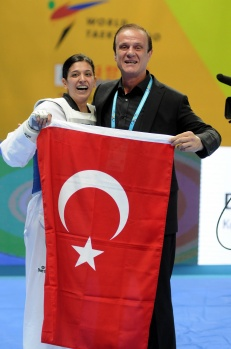 Van'ın gururu Nur Tatar, Dünya Şampiyonu