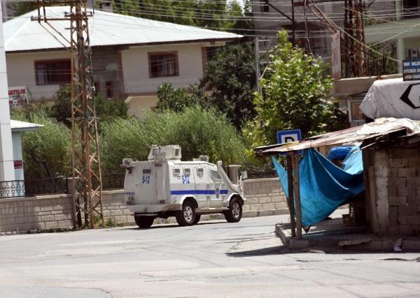 Van'da bombalı saldırı: 1 şehit, 3 yaralı