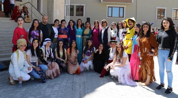 Öğrenciler dans ritimleriyle barışı anlattılar