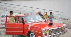 Modifiye araç tutkunları Van'da buluştu