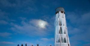 Su deposu Buz Kulesi'ne dönüştü