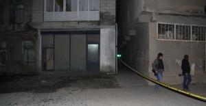 AK Parti ilçe binasına bombalı saldırı yapıldı