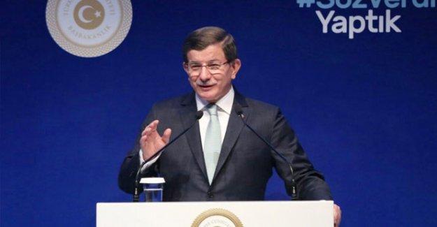 Davutoğlu: Değerlerin korunması için AKPM ile hareket etmeliyiz