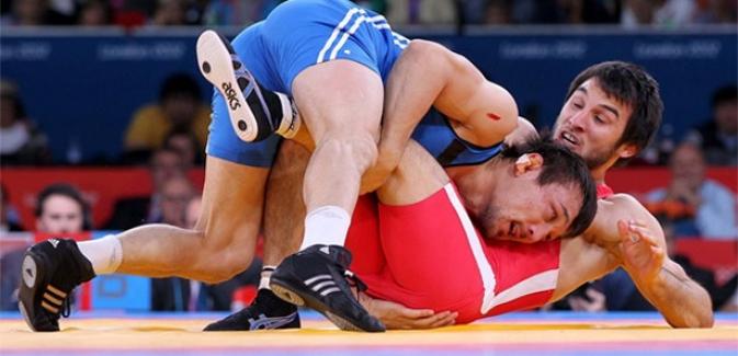 Güreşte 2 bronz