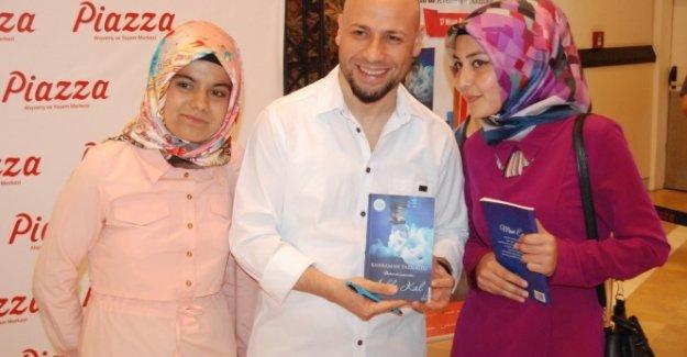 Kahraman Tazeoğlu Kahramanmaraş'ta okurlarıyla buluştu