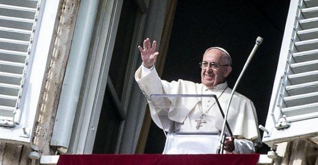 Papa Francis Yunanistan'da