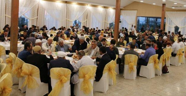 Edremit Belediyesi tarafından iftar yemeği verildi
