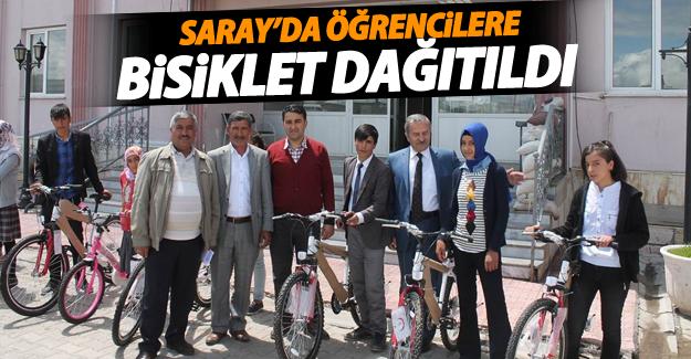 Saray'da öğrencilere bisiklet dağıtıldı