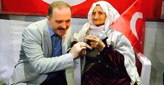 90 yaşındaki neneden demokrasi nöbetine destek