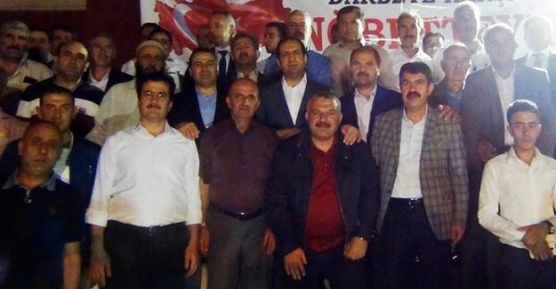 Çiftci, Erciş'te demokrasi nöbetine katıldı