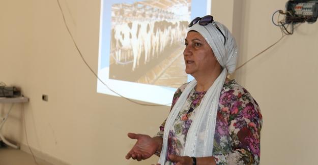 Edremit Belediyesi'nden çiftçilere süt sığırcılığı yetiştiriciliği eğitimi