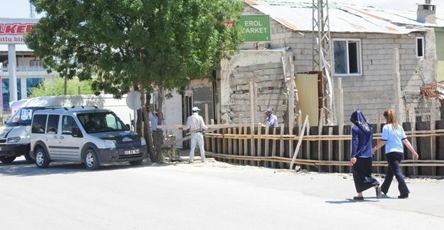 Van Büyükşehir Belediyesi'nden yıkım çalışması