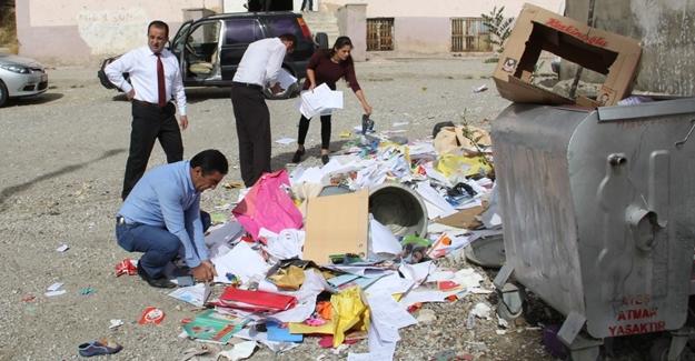 Milli Eğitim Müdürü Samsa çöp topladı