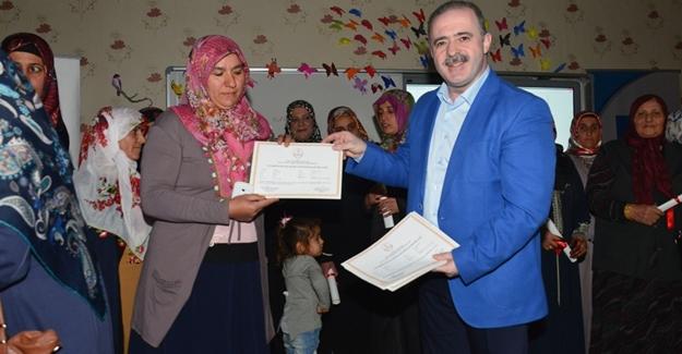 Tuşba Belediyesinden sertifika töreni