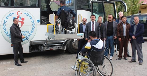 Vanlı engelliler, engelsiz otobüsle rahata kavuştu