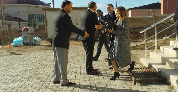 Başkan Vekili Karal'dan okul ziyareti