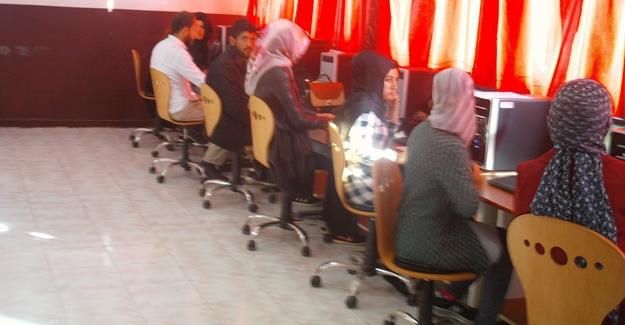 Özalp Halk Eğitim Merkezi Müdürlüğünde kurslar başladı