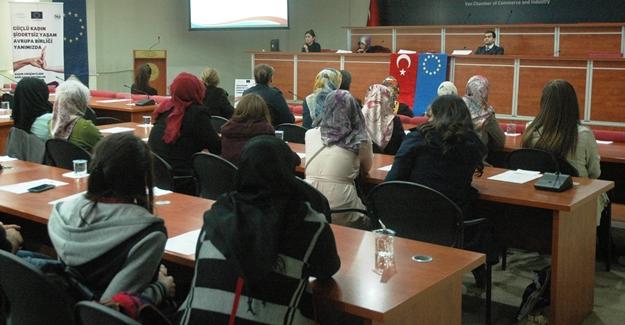 """Van'da """"Kadın Girişimcilere Sağlanan Destekler"""" semineri"""