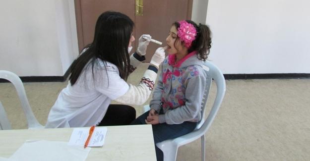 Vanlı çocuklar diş taramasından geçirildi