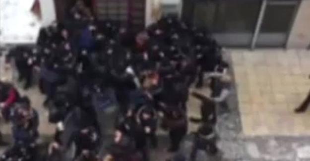 Kayseri'de HDP binasına saldırı