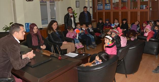 Minik öğrencilerden Akgül ve Aşçı'ya ziyaret