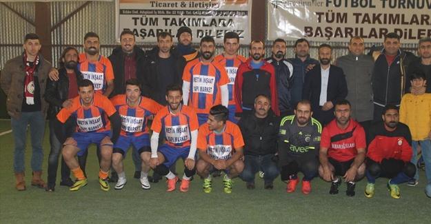 Van'da halı saha futbol turnuvası düzenlendi