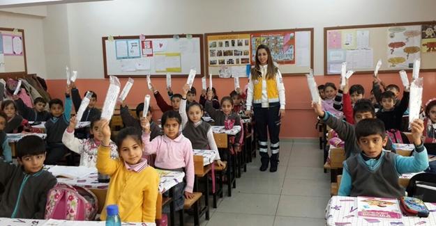 Van'da 10 bin öğrenciye 'Yaşama Yol Ver' projesi tanıtıldı