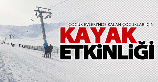 Çocuklar için kayak etkinliği