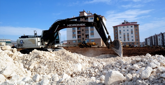 Erciş Belediyesi hizmet için çalışmlara hız verdi