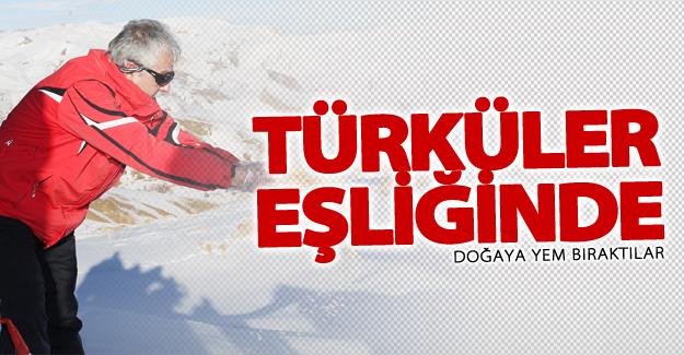 Türküler eşliğinde doğaya yem bıraktılar