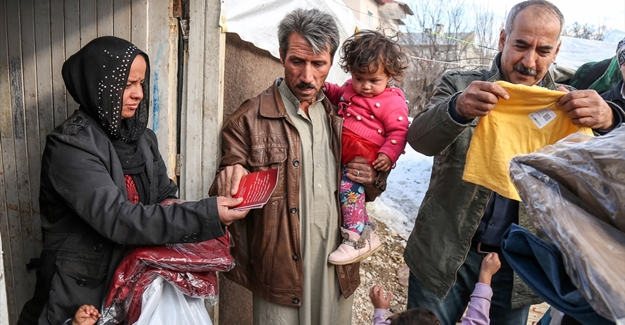 Van'da Suriyeli ailelere yardım eli