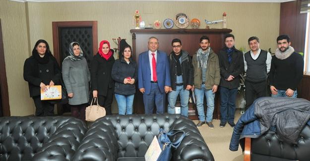 Rektör Battal yabancı uyruklu öğrencilerle bir araya geldi
