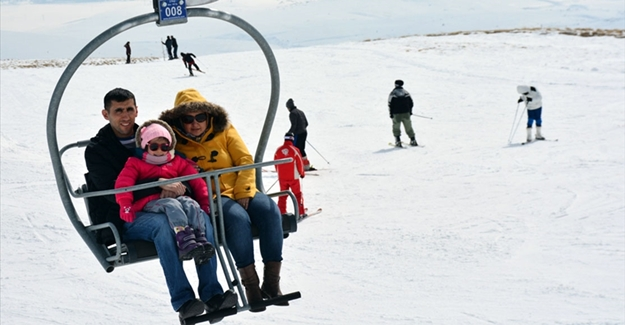2 bin 900 rakımda kayak keyfi