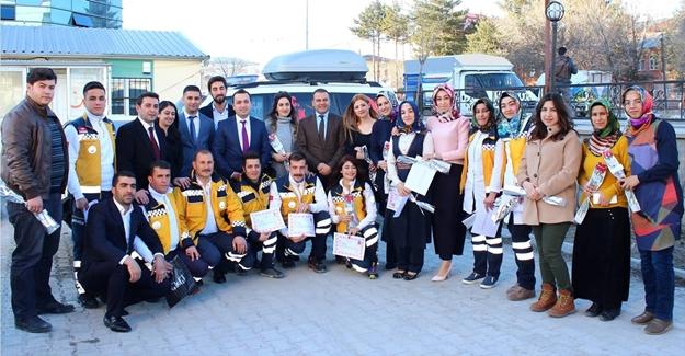 Erciş'te Acil Tıp Teknisyenleri Haftası kutlandı