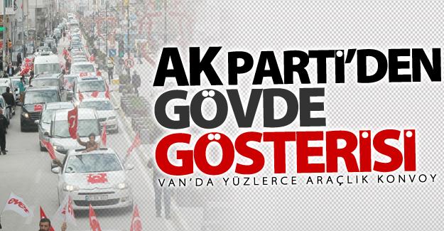 AK Parti Van'da yüzlerce araçlık konvoyla 'Evet' turu attı