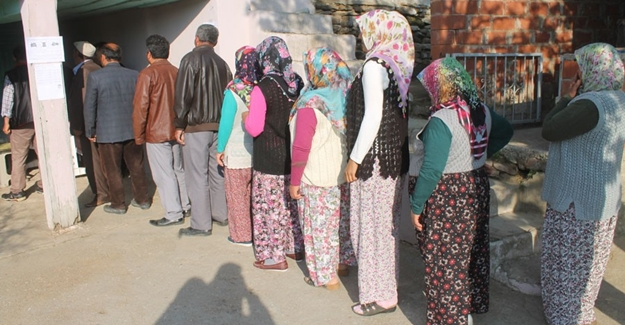 Bu mahallede oy verme işlemi 12 dakika sürdü