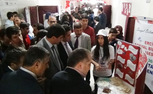 Erciş Sosyal Bilimler Lisesinden Bilim Şenliği