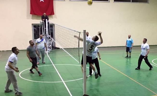 Gevaş'ta voleybol turnuvası