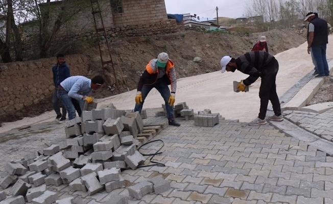 Özalp Belediyesinden yol yapım çalışması