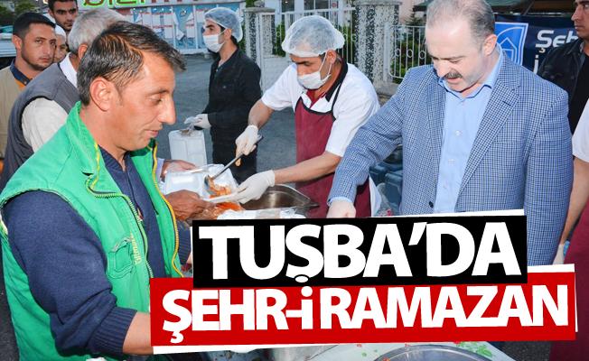 Tuşba'da vatandaşlar iftar çadırında buluştu!