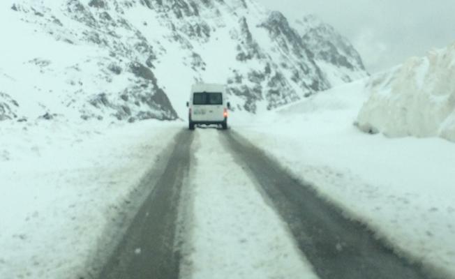 Van'ın yüksek kesimlerinde kar yağışı! Tarih 23 Mayıs