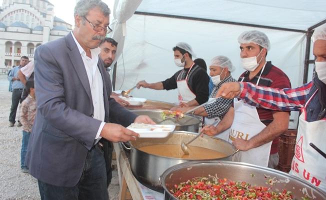 Ankara Büyükşehir Belediyesi Erciş'te iftar verdi
