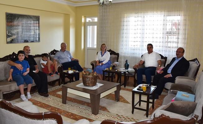 Cemil Öztürk'ten bayram ziyaretleri