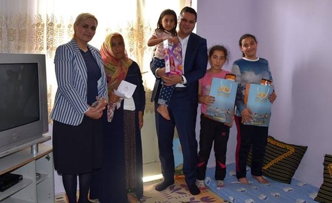Kaymakam Öztürk'ten hasta çifte ziyaret