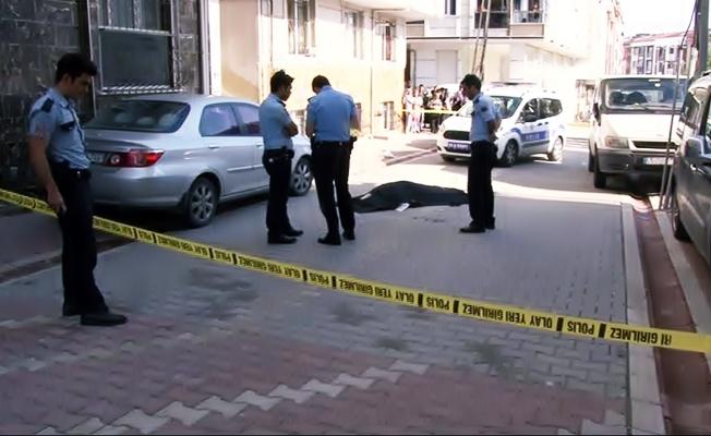 Sabah saatleri'nde sokak ortasında sır cinayet: 2 ölü