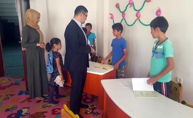 Doğramacı'dan kurs gören çocuklara ziyaret