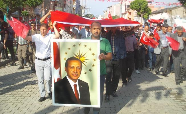 Özalp ilçesinde '15 Temmuz' yürüyüşü