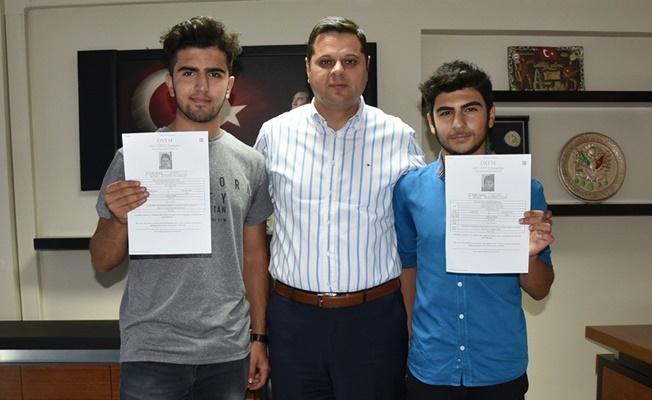 Başarılı öğrencilerden İpekyolu Belediyesine ziyaret