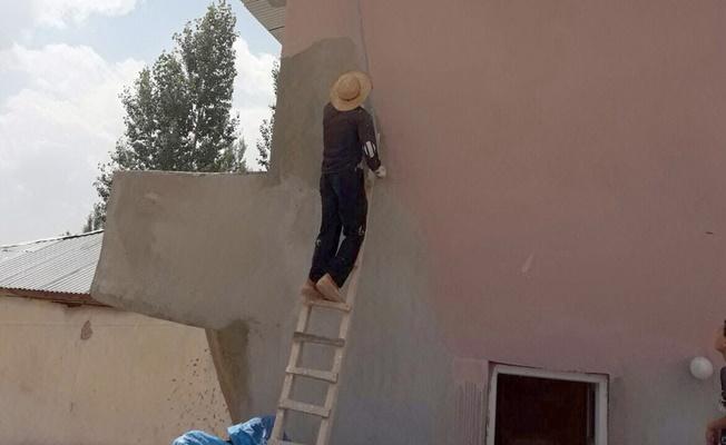 Gürpınar'da okul ve camilerin ihtiyaçları gideriliyor