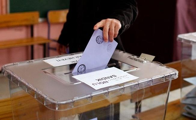 Yerel seçim anket sonuçları 3 büyükşehirde oylar bıçak sırtı